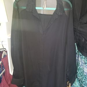 Black with lace back and sheer sleeves 1xl